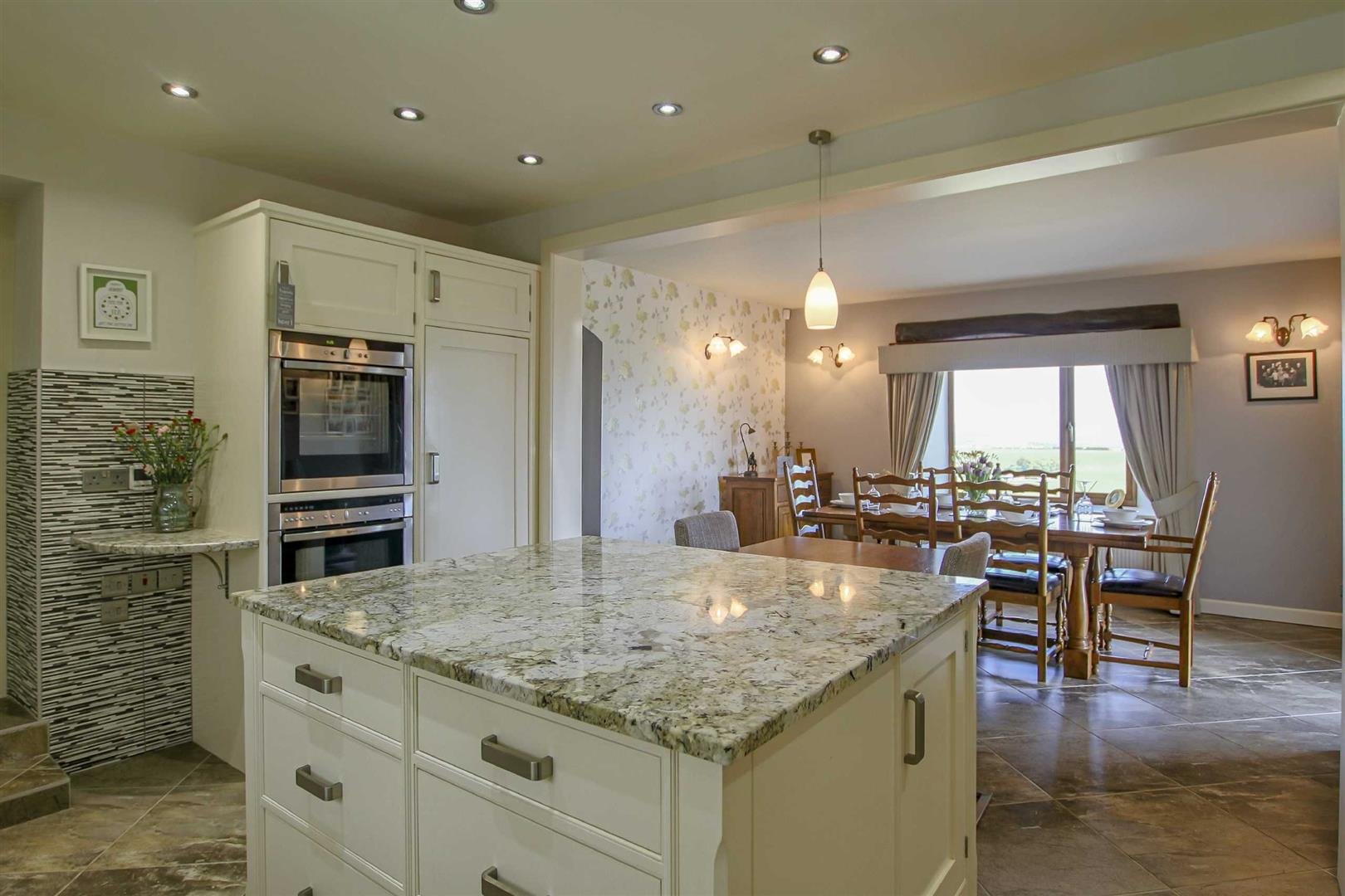 5 Bedroom Detached House For Sale - Image 3